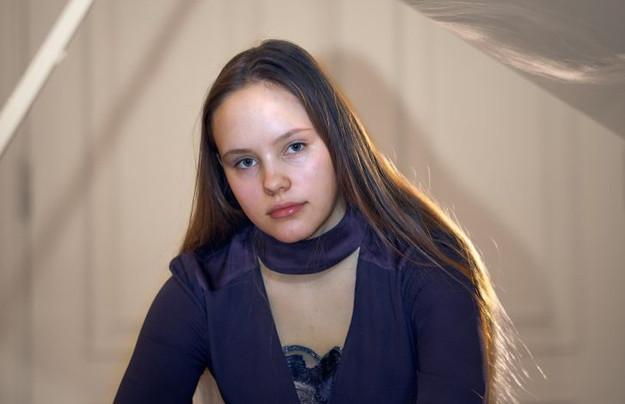 Noor pianist Tähe-Lee Liiv oli edukas konkursil Ameerikas