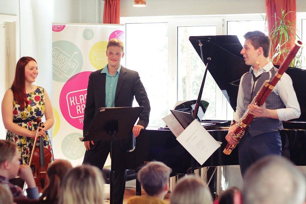 Merike Heidelberg, Georg Mirek King ja Jakob Peäske Elva muusikakoolis.