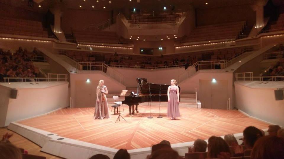 Kaksikõe Kärt Ruubeliga tänavu aprillis Berliini filharmoonias sarjas Debüt im Deutschlandfunk.