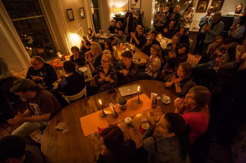 Jazzipublik kohvikus Fellin. FOTO KOHVIK FELLIN
