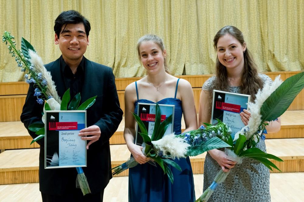 Konkursi laureaadid: Boqiang Jiang, Anna Szałucka, Daria Parkhomenko. FOTO VAHUR LÕHMUS