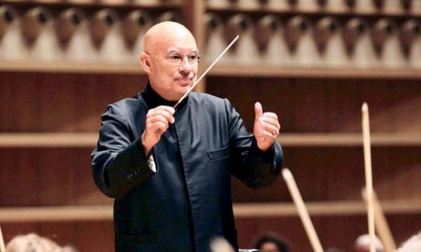 Dennis Russell Davies MDR sümfooniaorkestri peadirigendiks