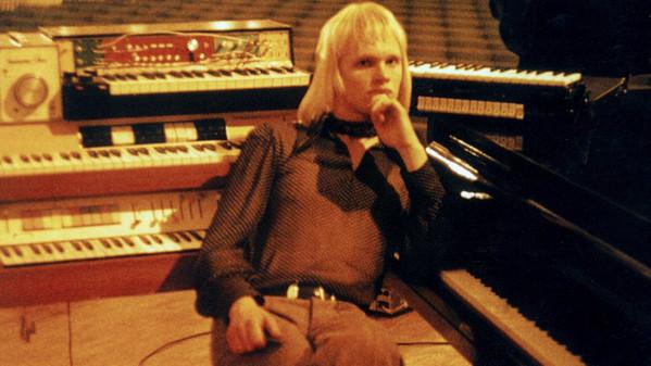 """Kust pagan seda Pink Floydi saada  ehk Sven Grünbergi aegadeülene muusika """"Hukkunud Alpinisti h"""