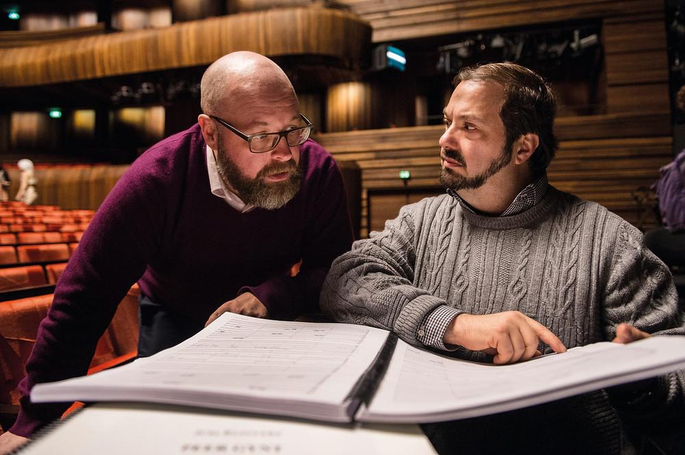 """Ooperi """"Peer Gynt"""" dirigendi John Fiorega Norra rahvusooperis. FOTO NORRA RAHVUSOOPER"""