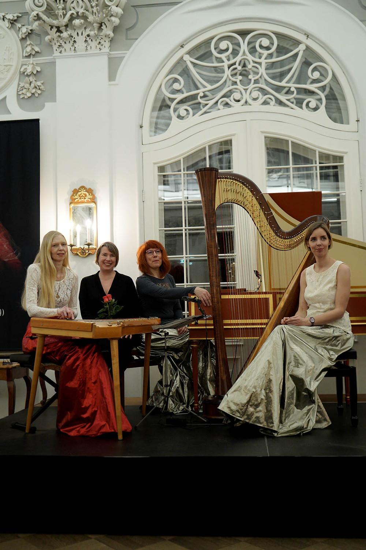 """""""Lossimuusikaga"""" tähistati Una Corda 10. sünnipäeva, pildil koos helilooja Age Veeroosiga. FOTO MART RAUN."""
