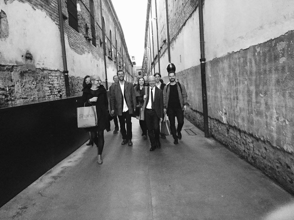 U: pärast esinemist Veneetsia biennaalil koos heliloojate Märt-Matis Lille, Jüri Reinvere, Fausto Sebastiani ja Vittorio Zagoga. FOTO ANSAMBEL U: