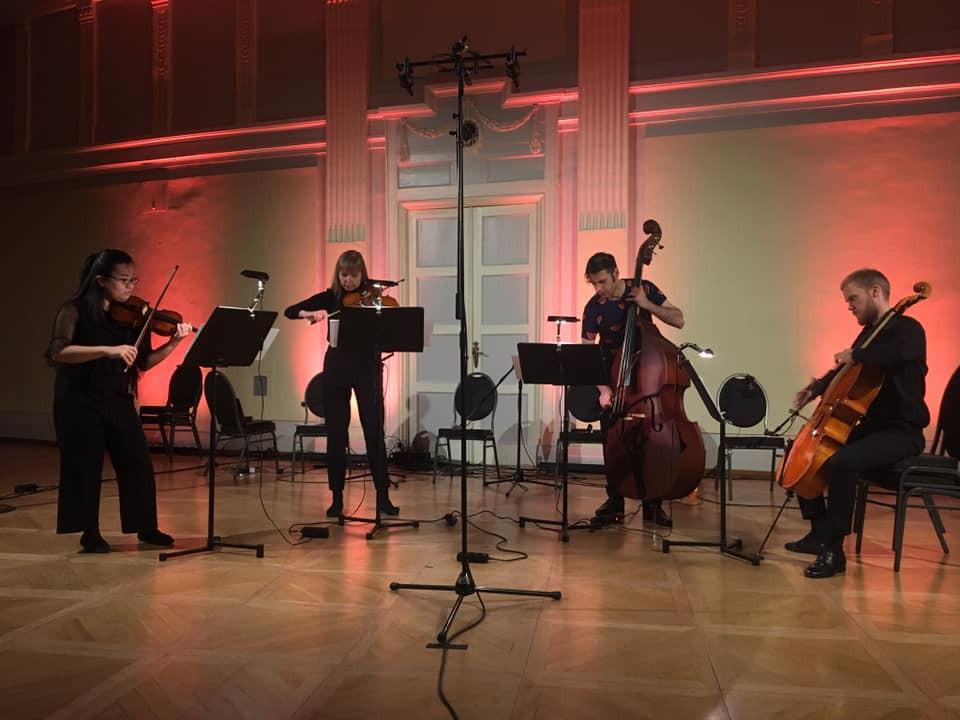Tallinna Uue Muusika Ansambel festivalil.