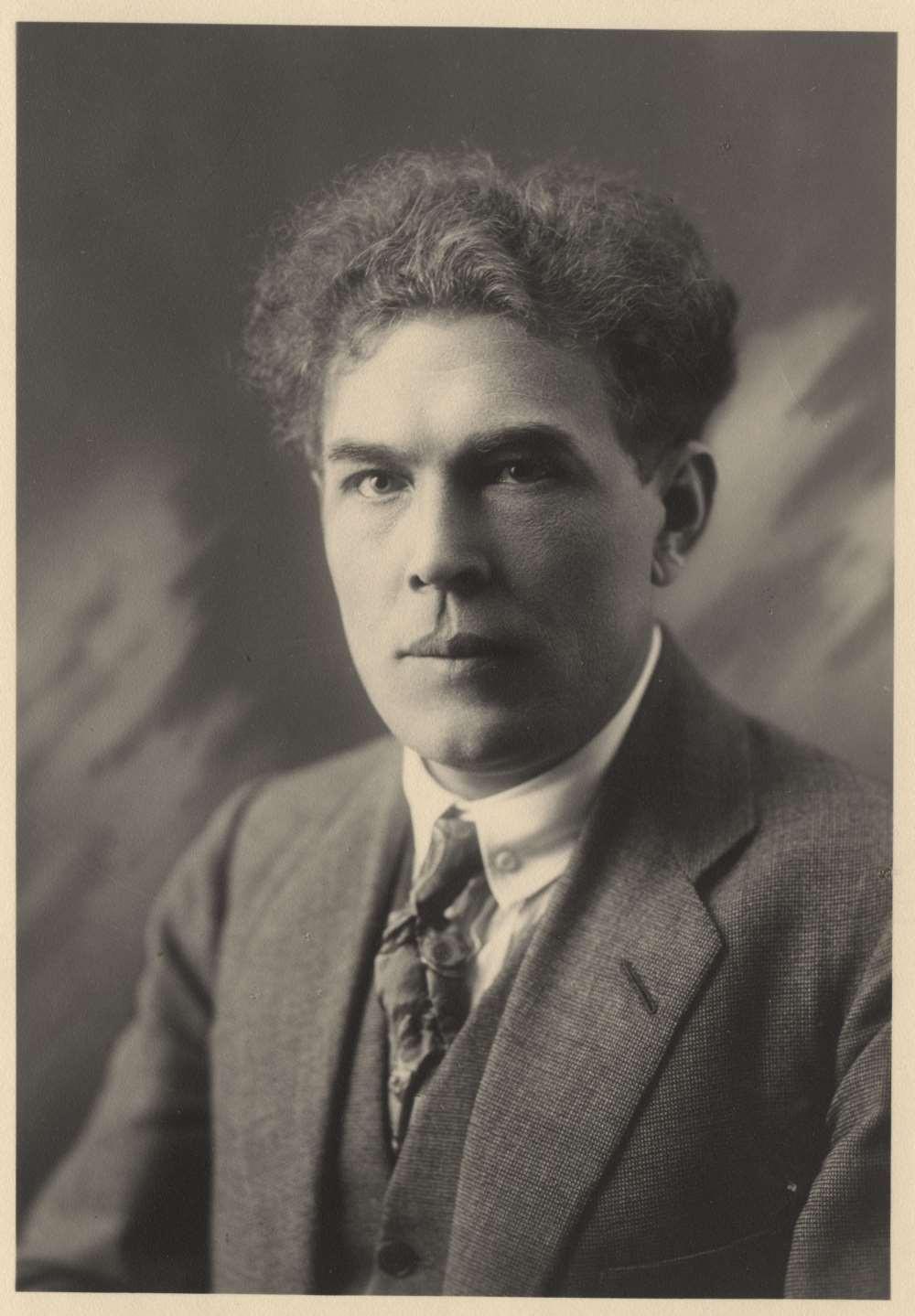 Heino Eller 1920. aastate I poolel. FOTO ETMM