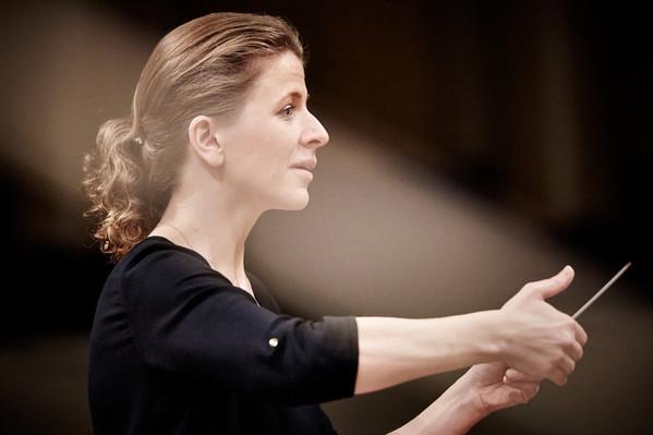 Kristiina Poska saab Flandria sümfooniaorkestri peadirigendiks