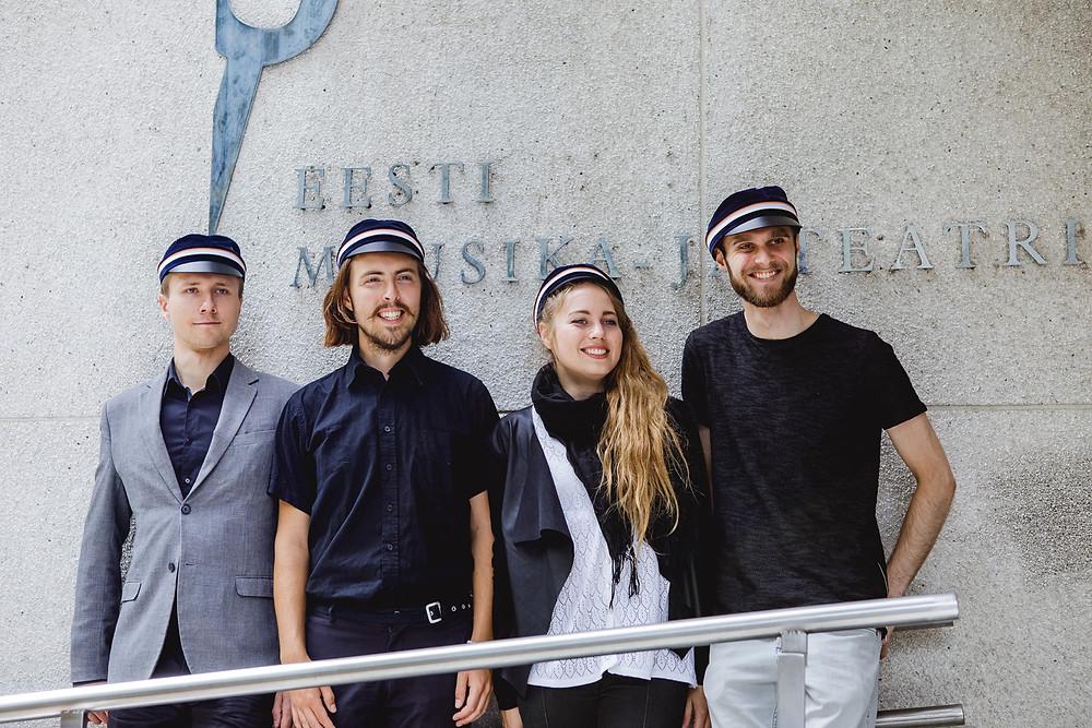 Üliõpilased Karl Joosep Sinisalu, Karl Tipp, Laura Virkkunen ja Hains Tooming. FOTO RASMUS KOOSKORA