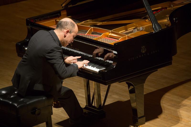 Üks festivali huvitavamaid pianiste, Nelson Goerner. FOTO PEETER LANGOVITS