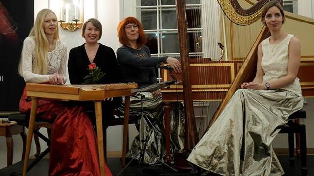 Una Corda koos helilooja Age Veeroosiga. FOTO LOSSIMUUSIKA