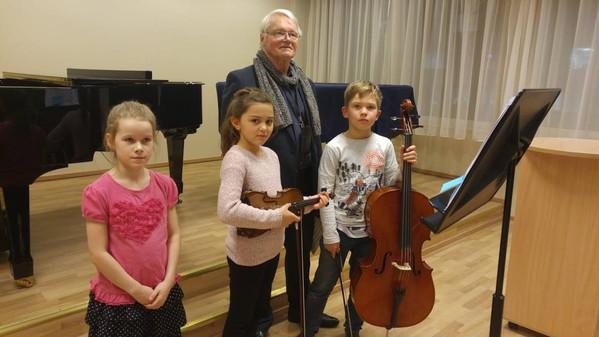 Lasnamäe muusikakooli resideeriv helilooja Alo Põldmäe