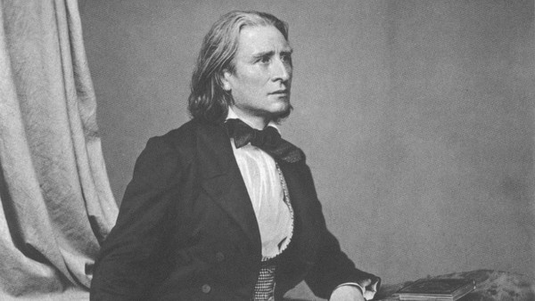 """Ehtne, võlts. Pärast Piero Rattalino """"Liszt o il giardino d'Armida"""" lugemist"""