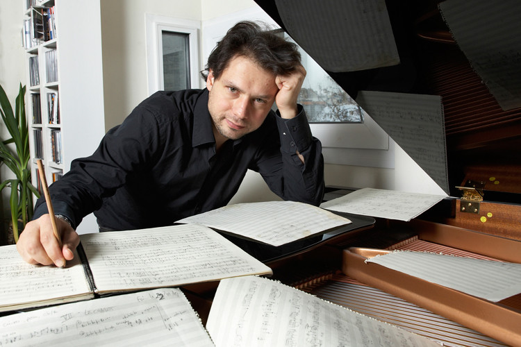 Helilooja Richard Dubugnon, foto classical20.com