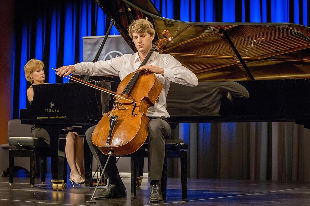 Marcel Johannes Kits esinemas konkursi galakontserdil. FOTO GÜNTER JAGOUTZ