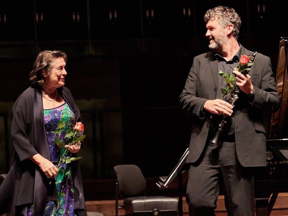Hinnatud pianist Elisabeth Leonskaja ja EFO esiklarnetist Matthew Hunt. FOTOD KAUPO KIKKAS