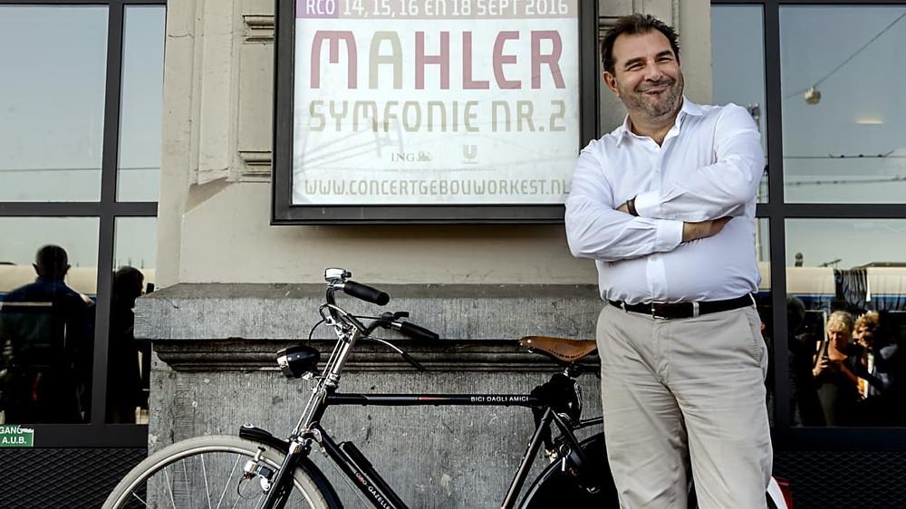 Daniele Gatti lahkub kuninglikust Concertgebouw'st ahistamisskandaali tõttu