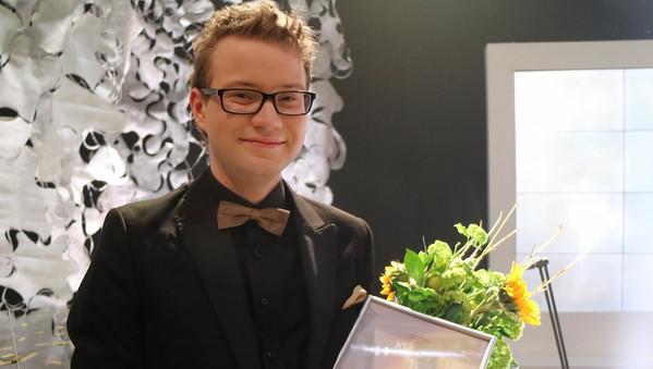 """Suure formaadiga Sten Heinoja. Saatesari """"Klassikatähed"""" ETVs"""