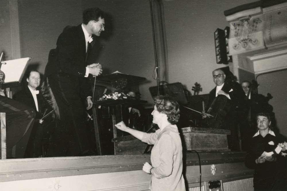 """Ester Mägi """"Sümfoonia"""" jõudis Estonia kontserdisaalis esiettekandeni 23. aprillil 1969 Roman Matsovi dirigendikepi all. Mõlemal on tänavu juubel: maestra tähistab 10. jaanuaril 95. sünnipäeva, 27. aprillil möödub aga 100 aastat maestro sünnist. FOTO ETMM"""