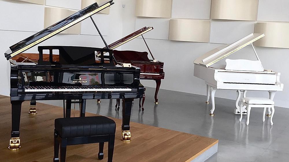 Petrofi klaverivabriku salong. FOTO RAIVO SERSANT