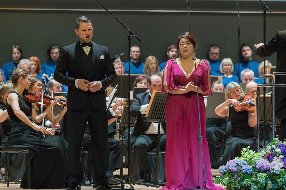 Seung Eun Lee hiilgas suurepärase tehnikaga ning Jānis Apeinis ühendas vokaali, artistlikkuse ja isikliku karisma kenaks tervikuks. FOTO JURI SEREDENKO