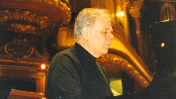 Vardo Rumesseni lahkumine