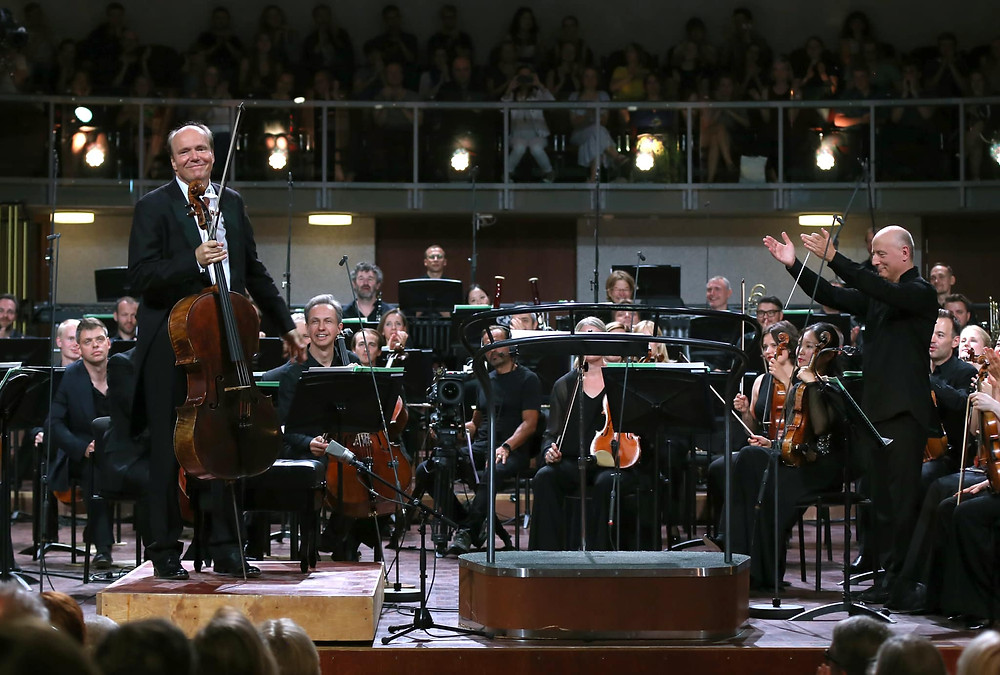 Paavo Järvi, Truls Mørk ja Eesti Festivaliorkester. FOTO TAAVI KULL