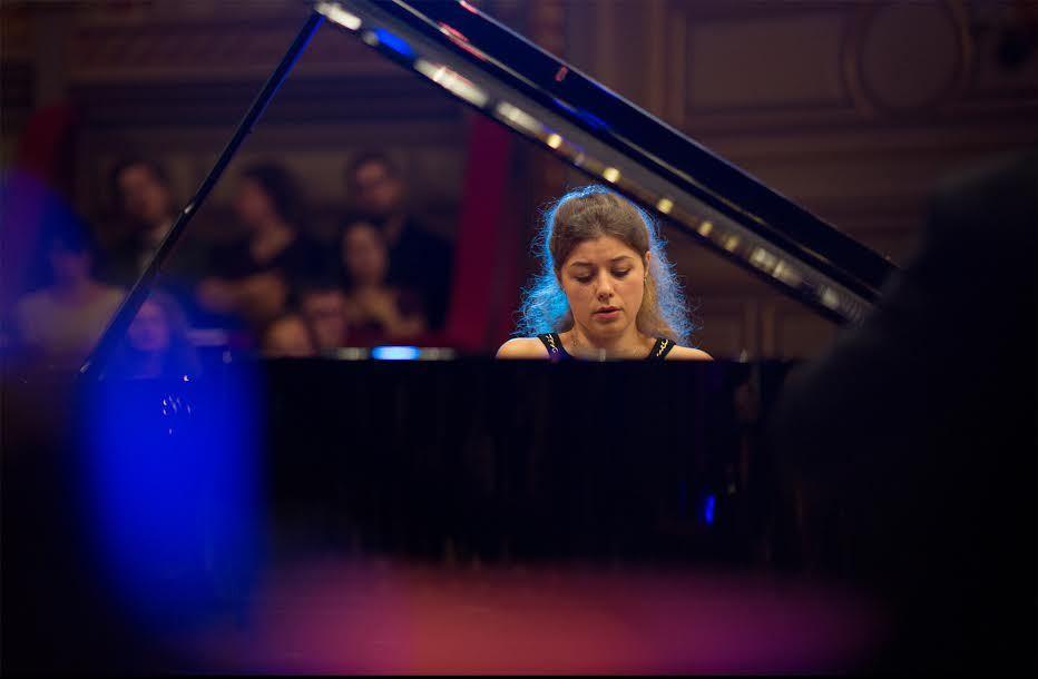Klaveri kategoorias esikoha võitnud 23-aastane bulgaarlanna Victoria Vassilenko