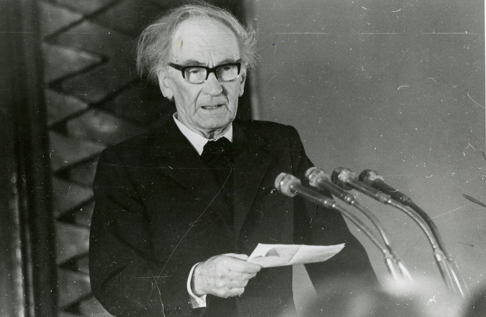 Tuudur Vettiks avamas Eesti heliloojate liidu kongressi 15.02.1979. FOTO ETMM.