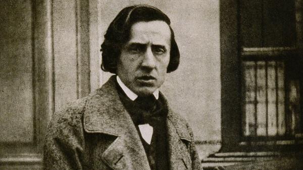 """Allikate keskel kõndides. Pärast Piero Rattalino """"Chopin racconta  Chopin"""" (2009) lugemist"""