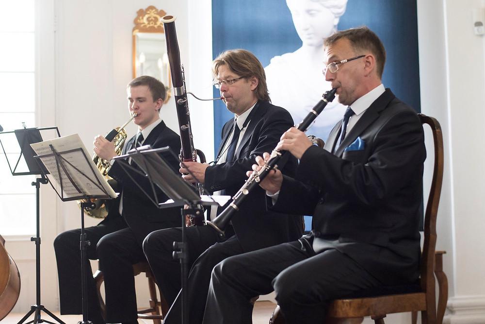 Peeter Sarapuu ja Toomas Vavilov õppejõudude kontserdil.