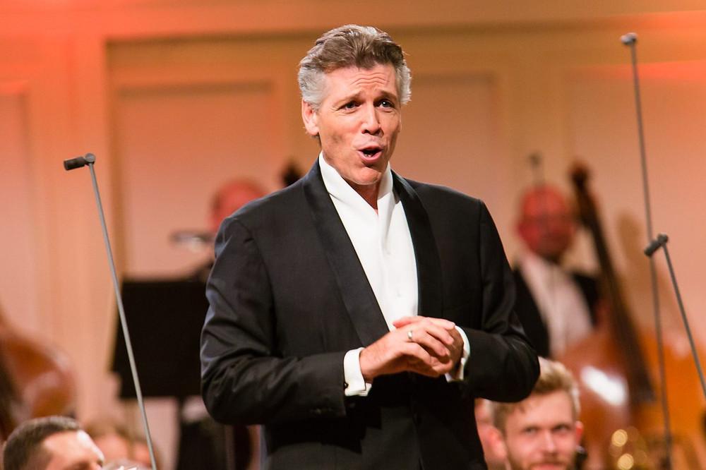 Thomas Hampson Estonia kontserdisaalis. FOTO ERSO