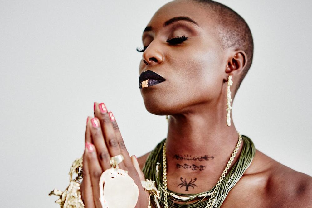 Laura Mvula usub vaikuse jõudu. FOTO standard.co.uk