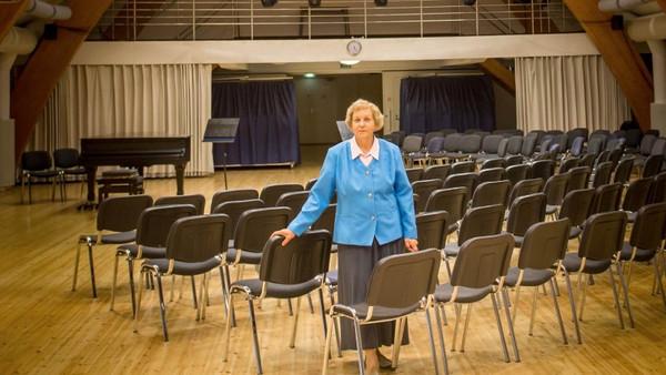 """""""Sellist asja nagu """"lihtsalt kontserdisaal"""" ei ole olemas"""". Intervjuu Linda Madalikuga"""