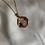 Thumbnail: Sautoir pendentif fleurs