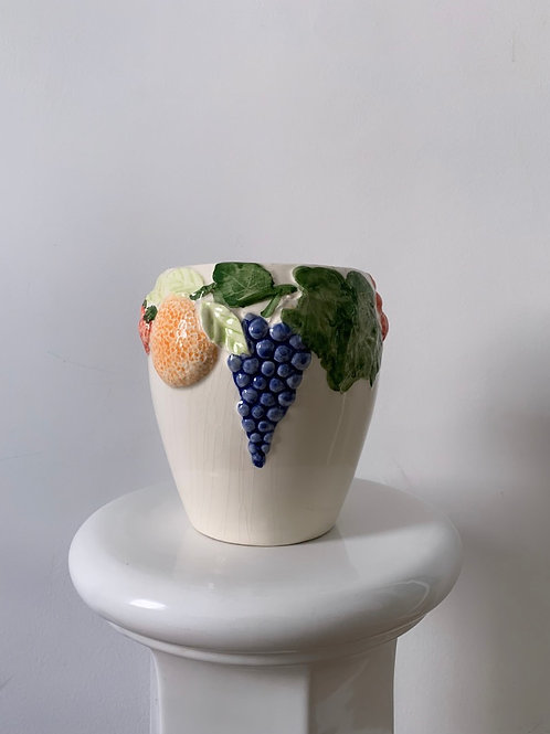 Vase fruits