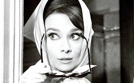 Comment porter un foulard en soie : 10 idées !
