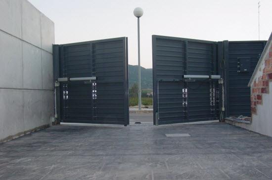 puerta-automatica-batiente-eninter.jpg