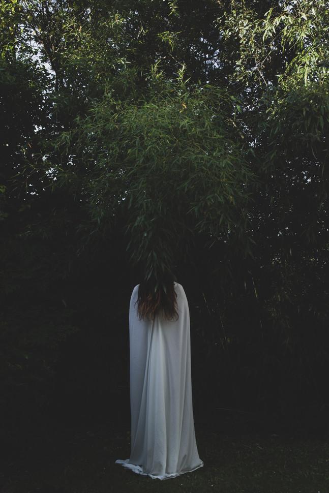La jeune fille au péplos