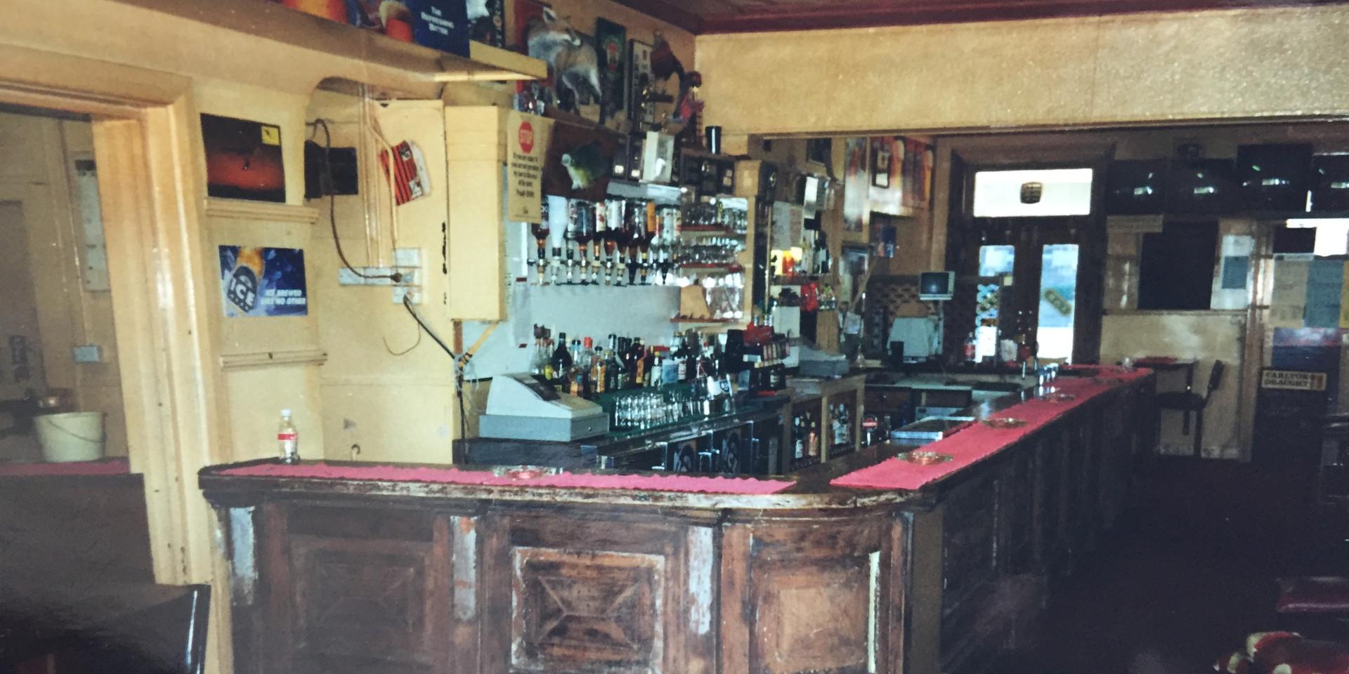Eatons Hotel 90's side/back bar