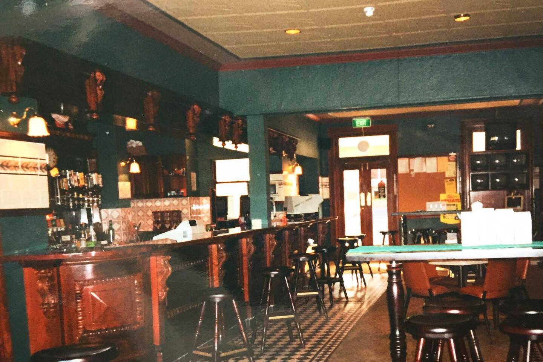 Eatons Hotel 90's side bar