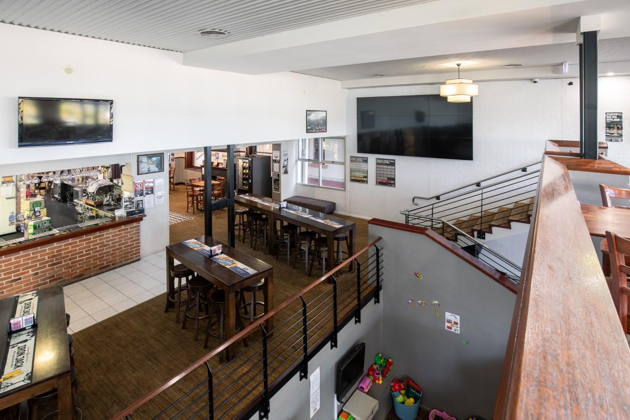 Eatons Hotel 2018 back bar