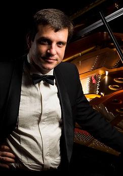 Fedor Veselov piano