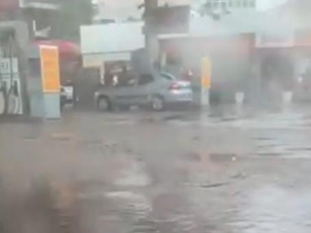 ENXURRADA, MORTES E DESTRUIÇÃO POR CAUSA DA CHUVA NO RIO DE JANEIRO
