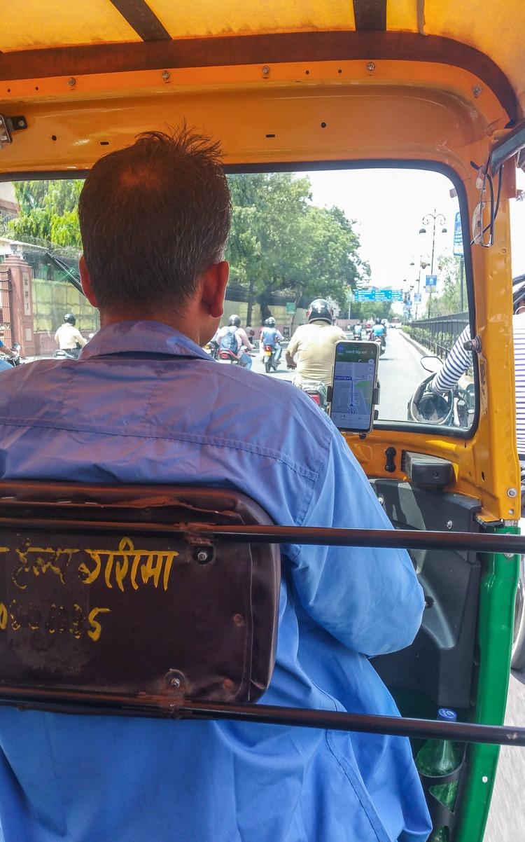 tuktuk driver in jaipur