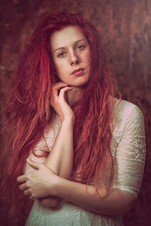 Portrait of model Larissa Angharad by Marc De Vinci