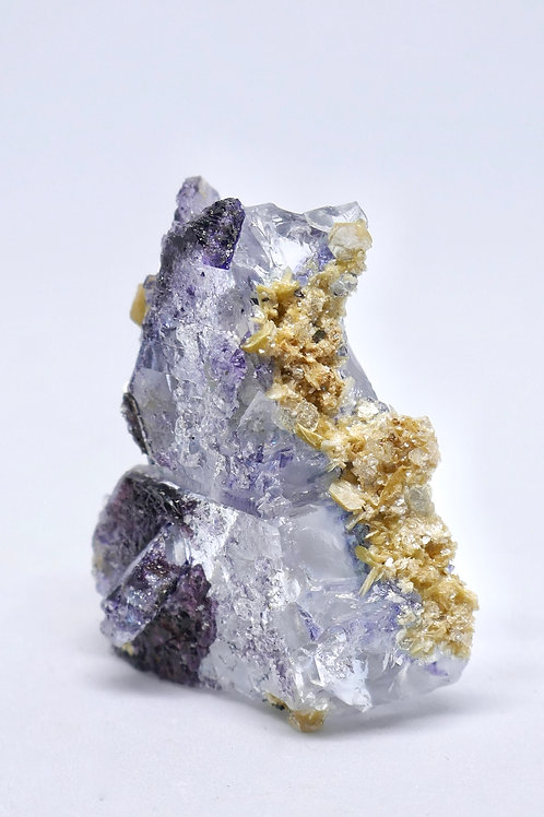 Spinel Law Fluorite with Muscovite