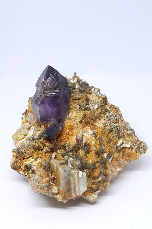 Quartz var. Amethyst with Stilbite
