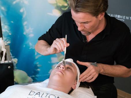 Die besten Beautytipps für die tägliche Hautpflege. Skin Care Experte Marcel zeigt, wie's geht.